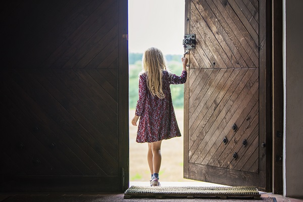 When no one was looking she opened the door Using narrative tenses & When no one was looking she opened the door: Using narrative tenses ...